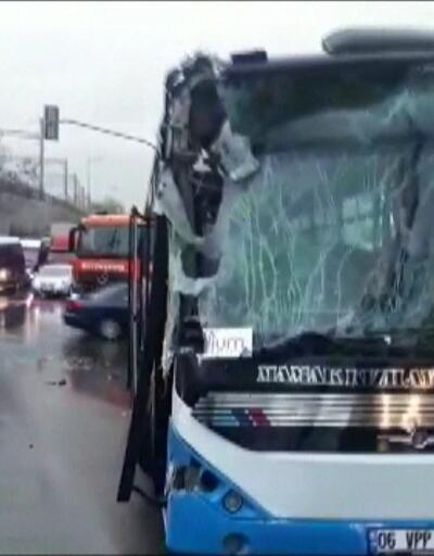 Son dakika... Ankara'da belediye otobüsü temizleme aracına çarptı