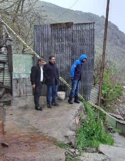 Heyelan nedeniyle risk oluşturan evler boşaltıldı