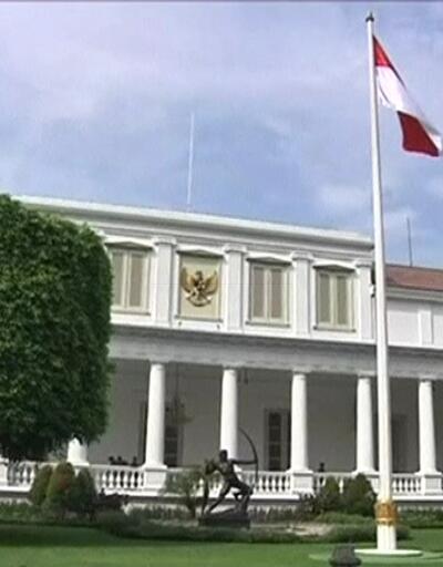 Başkent Cakarta suya gömülüyor