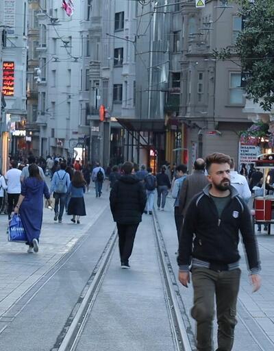 İstiklal Caddesi yaya trafiğine açıldı