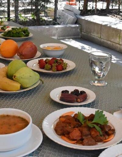 Sağlık Bakanlığı'ndan örnek sahur ve iftar sofrası