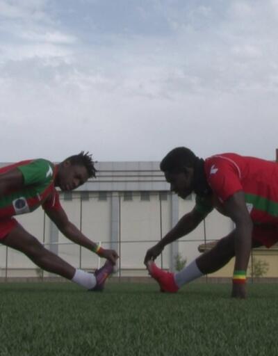 Senegalli futbolcular ülkelerine dönemedi