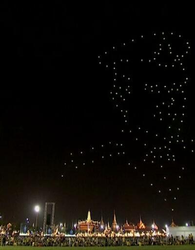 Taylandlılar kutlamalara devam ediyor