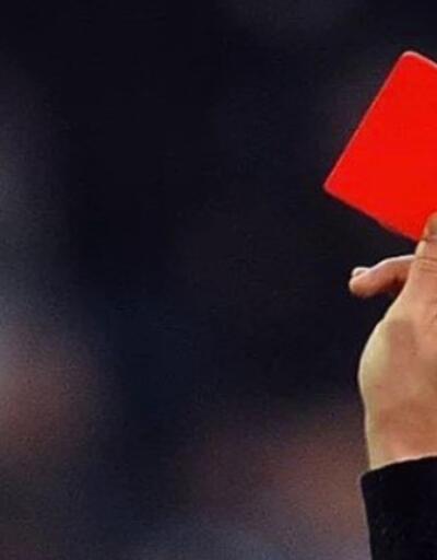 15 futbolcuya kırmızı kart çıktı