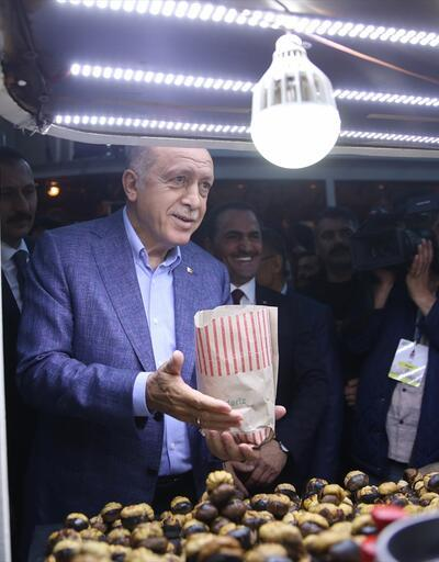 Cumhurbaşkanı Erdoğan, Beyoğlu'nda nostaljik tramvaya bindi