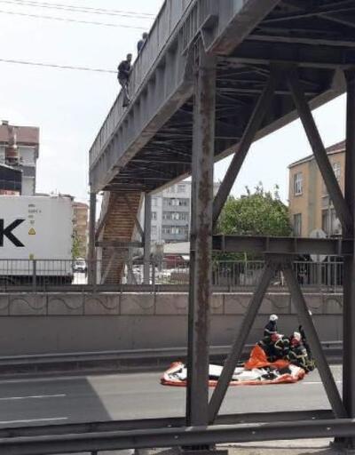 Üst geçitte intihar girişimi nedeniyle yol ulaşıma kapandı