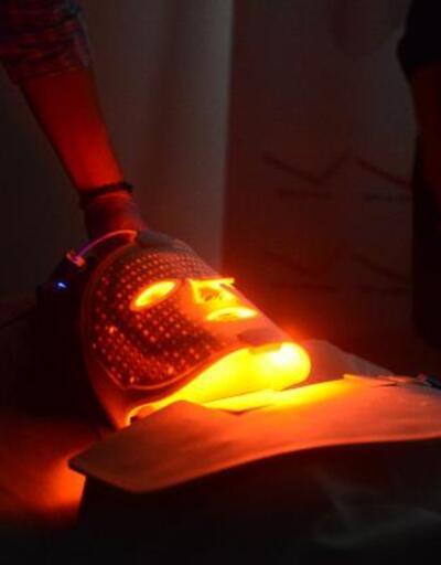 Akne ve leke tedavisinde ışık terapi yöntemi