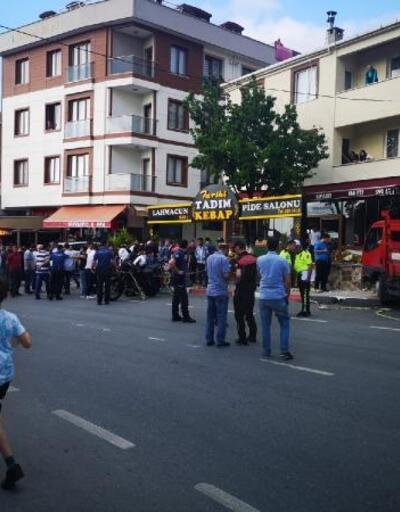 Sultanbeyli'de kamyonet dehşeti kamerada:  3 ağır yaralı