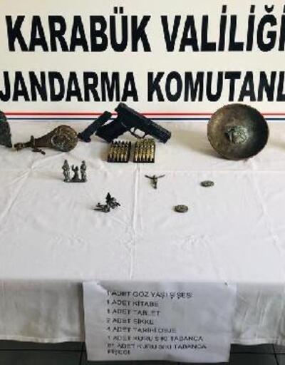 Karabük'te durdurulan otomobilden tarihi eser çıktı