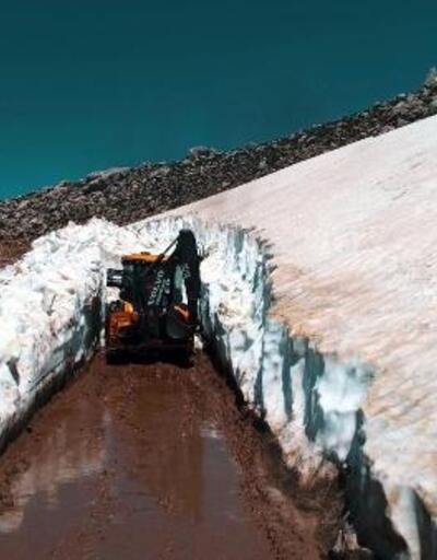 Seydikemer'in yüksek kesimlerinde karla mücadele
