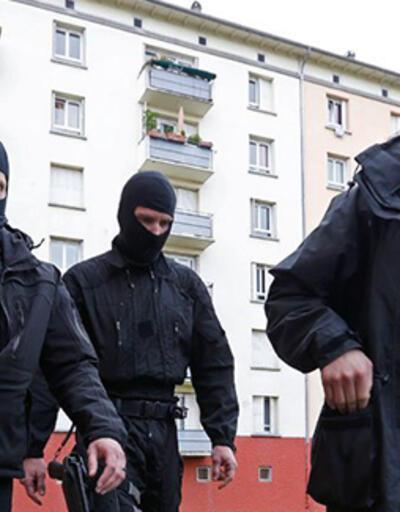 Fransa'da istihbarat servisinin gazetecileri sorgulaması polemik konusu oldu