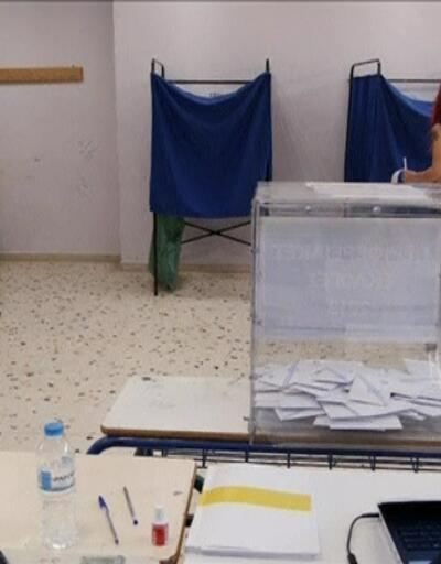 Atina'da ana muhalefet partisi kazandı