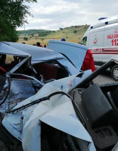 Kepsut'ta trafik kazası, 2 ölü 4 yaralı