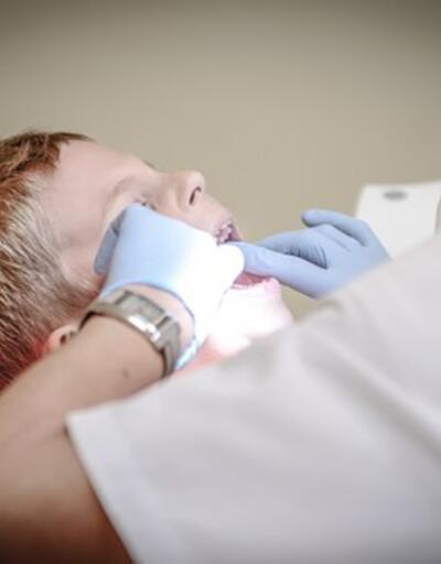 Diş implantı sonrası bu yiyeceklere dikkat