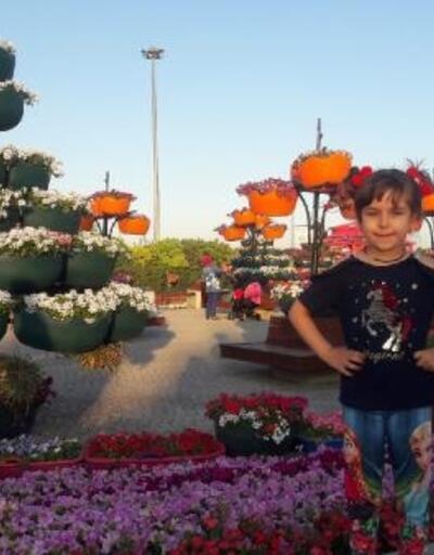 500 bin bitkinin bulunduğu rengarenk bahçeye ziyaretçi akını