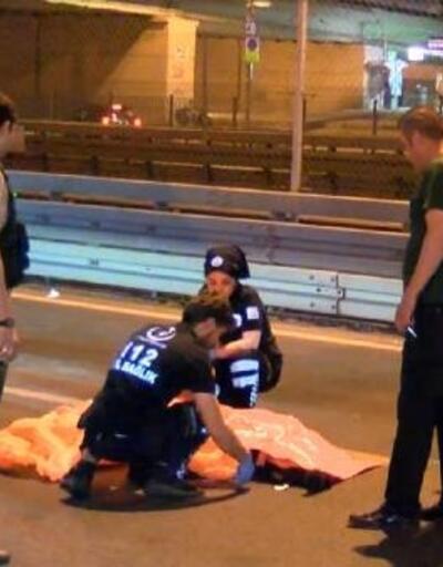 Üst geçitten düşen kişi, otomobilin altında metrelerce sürüklenerek öldü