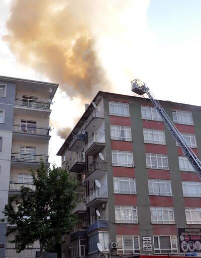 Ankara'da yangın! 6 katlı binanın çatısı alev aldı!