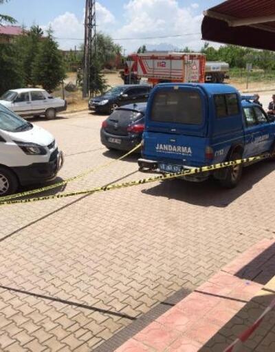 Uzman çavuş ve eşi, evlerinde başlarından vurulmuş, ölü bulundu