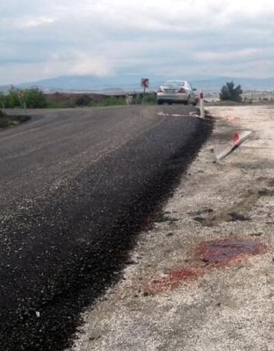Motosiklet yön tabelasına çarptı: Baba öldü, 2 çocuğu yaralandı