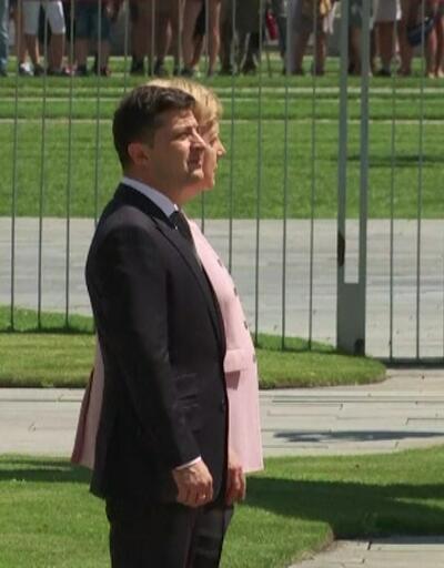 Almanya Başbakanı Merkel Fenalaştı