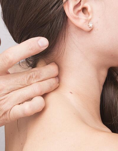 Boyun ağrısından 3 adımda korunma yöntemi