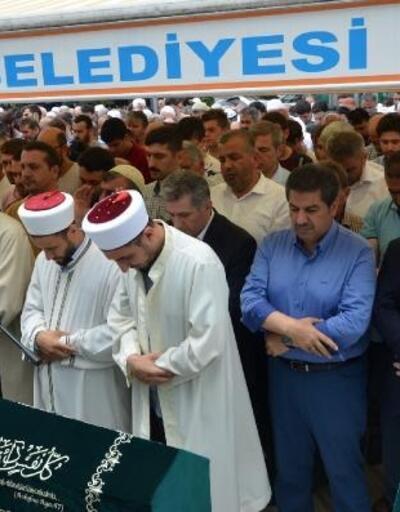 Mursi İçin Esenler'de gıyabi cenaze namazı kılındı