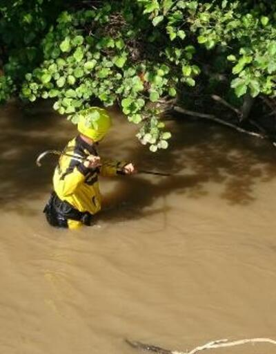 Araklı'daki sel felaketinde kayıp 3 kişi aranıyor