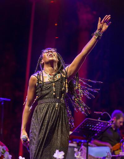 Iyeoka'dan Türk kahvesi eşliğinde konser
