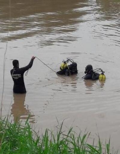 Araklı'daki sel felaketinde kayıp 2 kişi aranıyor