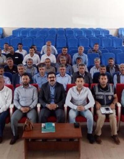 Çelikhan'da mahalle ve köy muhtarlarına hizmet içi eğitim