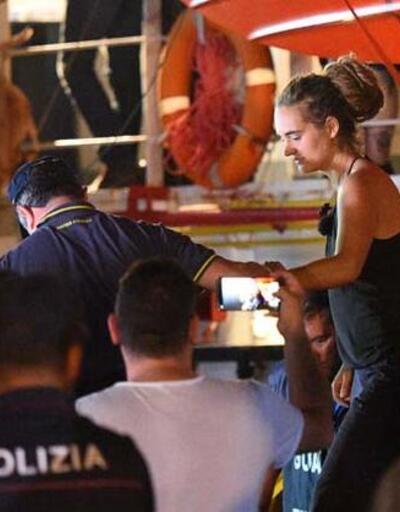 Mültecilere yardım eden kaptana tutuklama