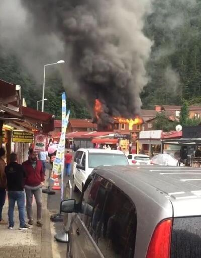 Turizm merkezi Uzungöl'de pansiyon yangını