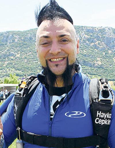 Hayko Cepkin hayranını dava etti... 5 bin 200 aramaya 6 ay hapis cezası