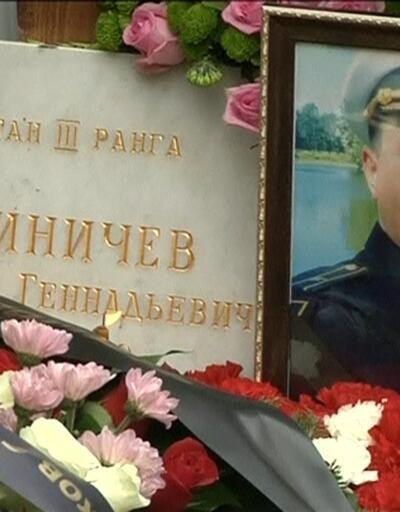 Rus denizciler defnedildi