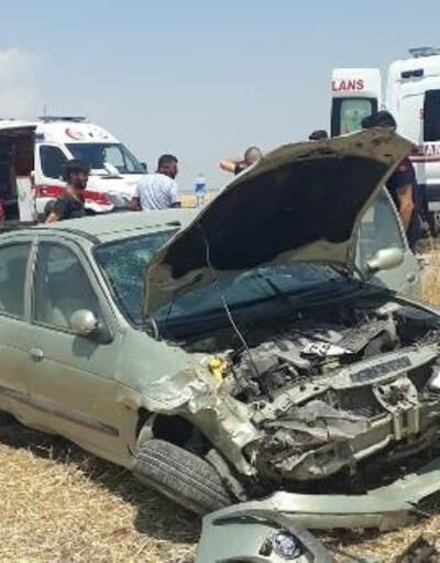 Çınar'da otomobil tarlaya devrildi: 3 yaralı