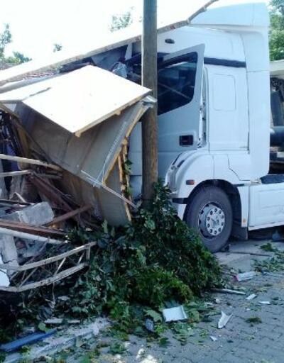 Aliağa'daki kazada 13 kişi yaralandı