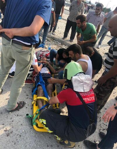TIR ile taksi çarpıştı: 1'i ağır 5 yaralı