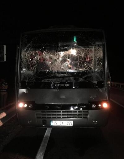 Fren sistemi arızalanan öğrenci midibüsü kamyona çarptı: 6 yaralı