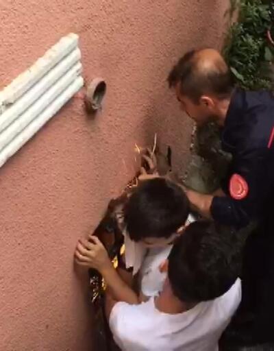 Koluna demir saplanan çocuk itfaiye ekiplerince kurtarıldı