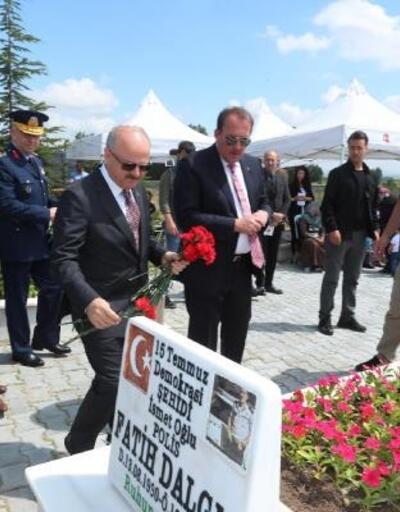 15 Temmuz şehidi Eskişehir'de mezarı başında anıldı