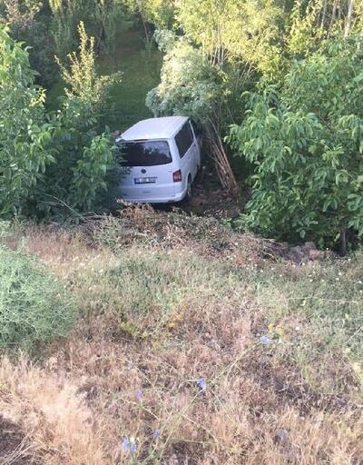 Bingöl'de minibüs şarampole yuvarlandı: 5 yaralı
