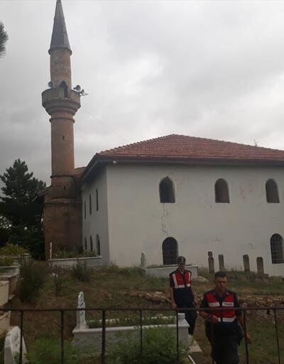 Minareden düşen imam ağır yaralandı