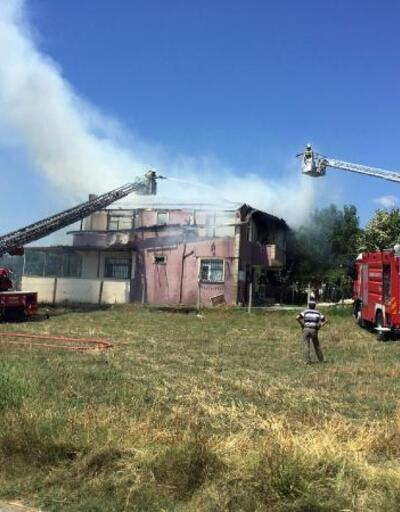 Silivri'de iki katlı binada yangın çıktı