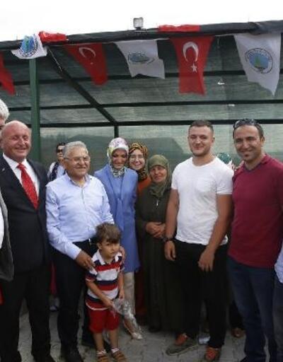 Başkan Büyükkılıç, Özvatan'da yaz şenliklerine katıldı