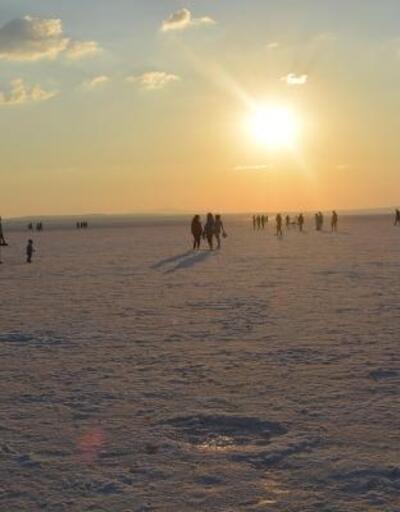 Tuz Gölü'ne ziyaretçi akını