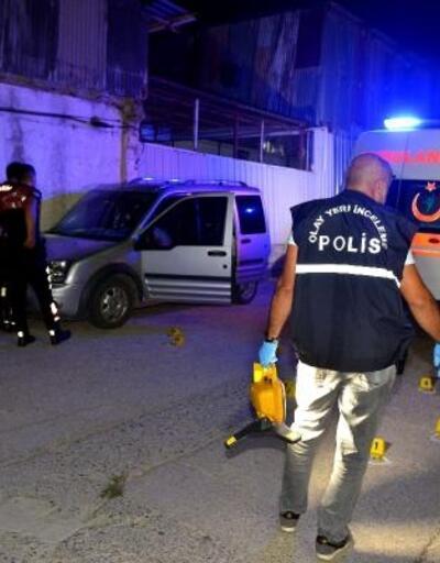 Hafif ticari aracında silahlı saldırıya uğrayan güvenlik görevlisi öldü