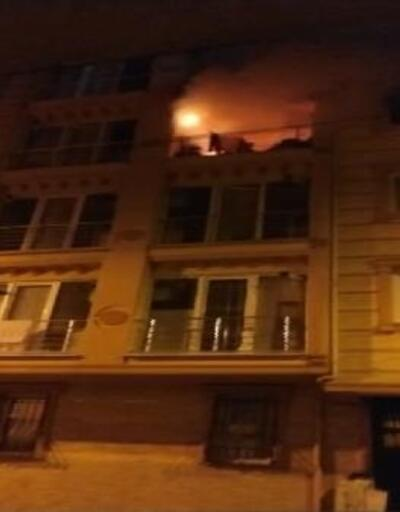 Esenler'de 4 katlı binada yangın çıktı, 5 kişilik aile ölümden döndü