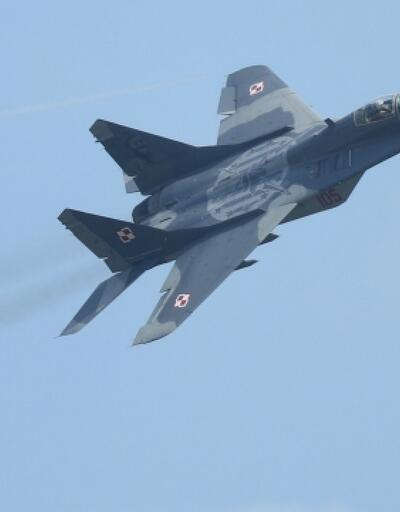 Azerbaycan'da eğitim uçuşu için havalanan savaş uçağı düştü