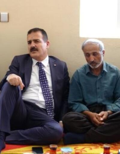 Vali Akbıyık, Şemdinli'deki patlamada ölen Çelik'in taziyesine katıldı
