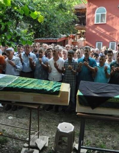 Kazada ölen Nihal'in tabutunun üzerine duvak örtüldü